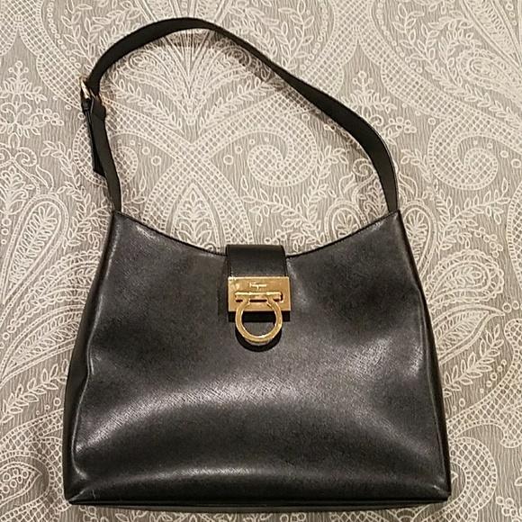 Ferragamo Handbags - Salvatore Ferragamo black saffiano leather bag